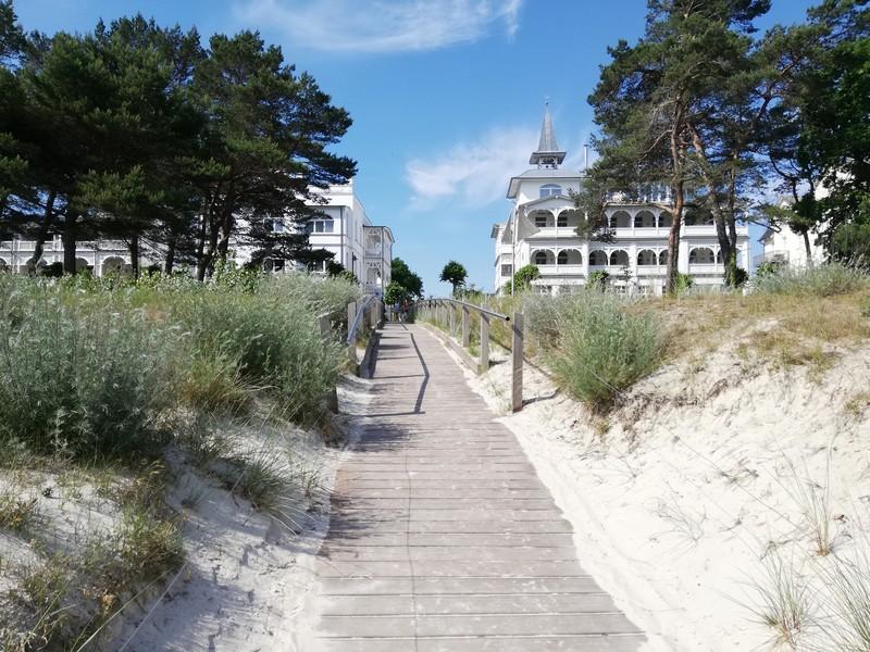 Direkt am Strand gelegen Villa und Strandhaus Seeblick