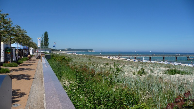 Promenade, Seebrücke und Strand von Göhren